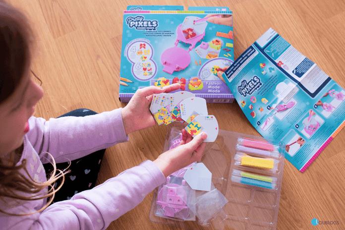 actividad para niñas crea tus diseños, diseña tu goma, Goma divertida, juguetes creativos,, Pretty Pixels, Mejores juguetes, juguetes adorables, juguetes para niñas, juguetes modernos, Bandai, Bandai México, juguetes Bandai,