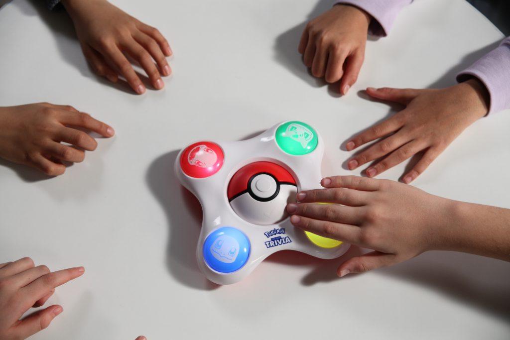 Bandai games, juegos de mesa, bandai juegos de mesa, rey del ring, palomitas locas, pokemon juegos, juegos para niños, pokemon entrenador trivia, pokemon entrenador adivino, juguemos en casa, haz pop a la diversión,