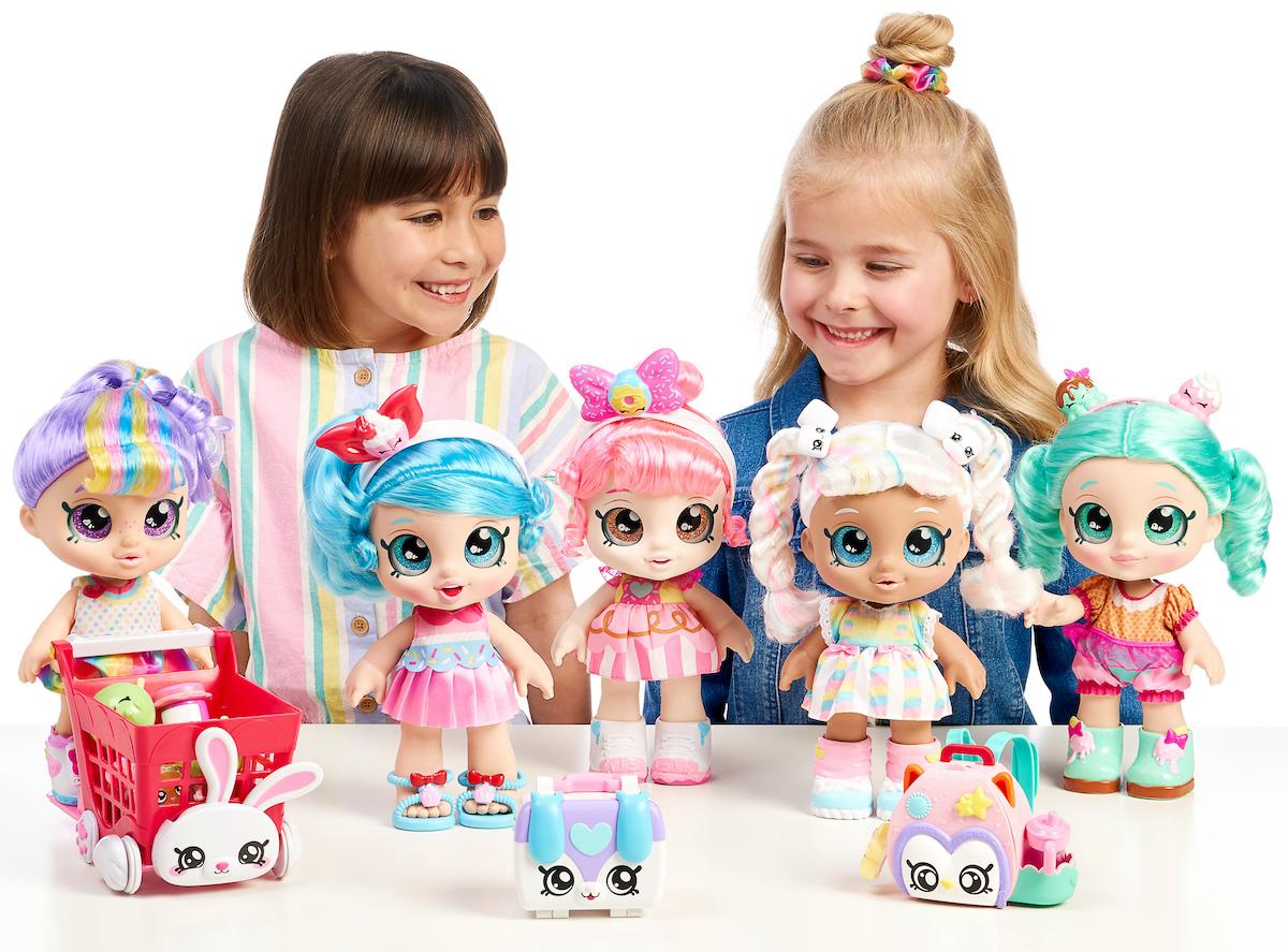 Juguetes para niña, juguetes novedosos, juguetes minis, kindi kids, kindi kids minis, porque jugar con muñecas, beneficios de las muñecas, jugar con muñecas, muñecas kindi kids,